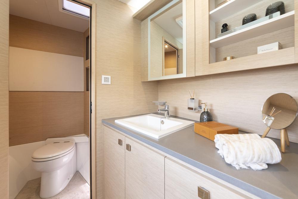 Fountaine Pajot MY40 bathroom 4