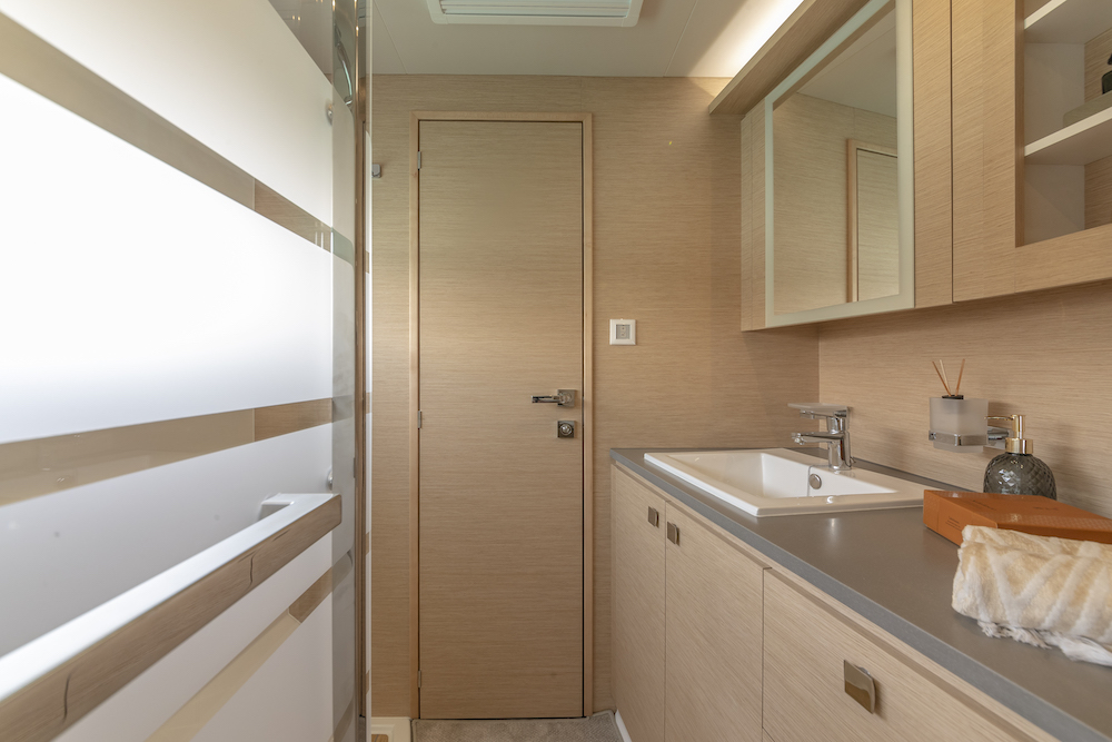 Fountaine Pajot MY40 bathroom 2