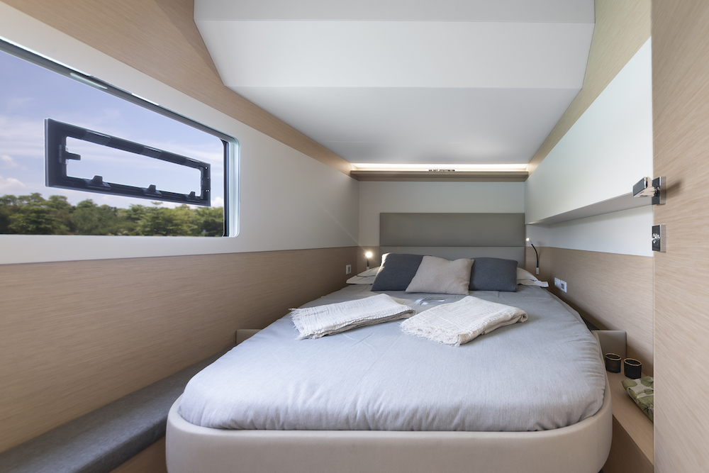 Fountaine Pajot MY40 cabin