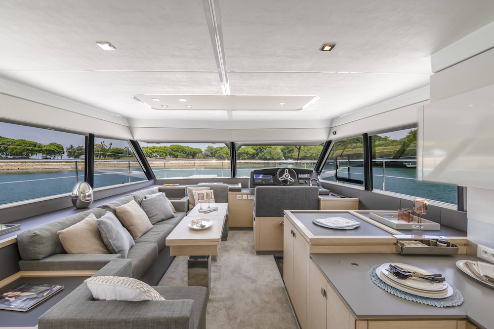 Fountaine Pajot MY40 saloon 4