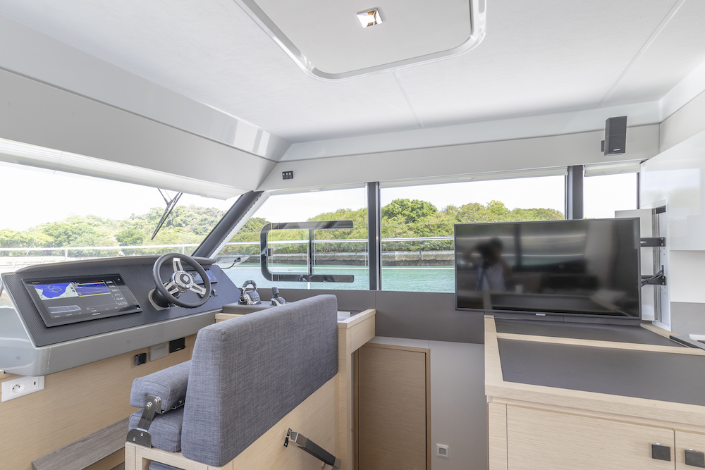 Fountaine Pajot MY40 interior helm