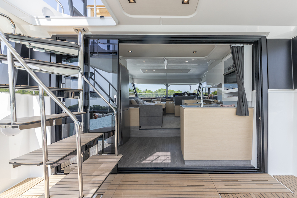 Fountaine Pajot MY40 deck to saloon