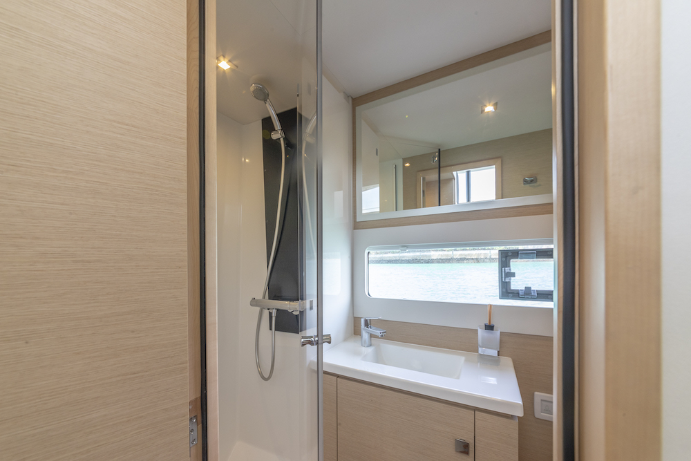 Fountaine Pajot MY40 bathroom