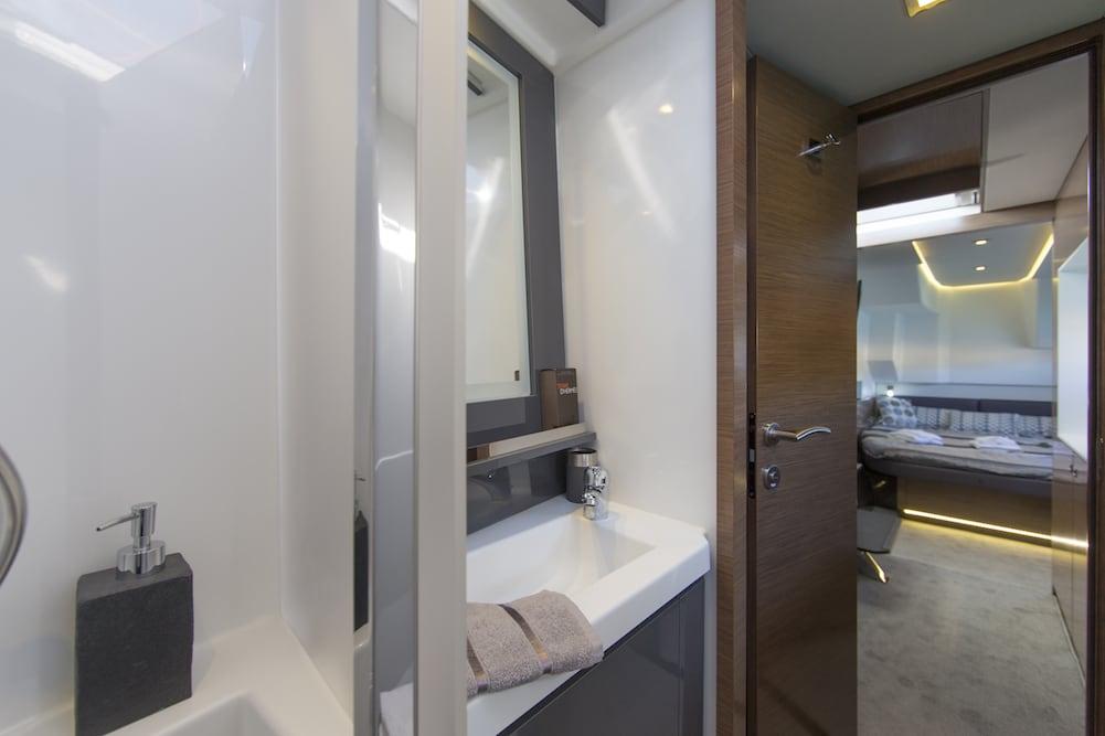MY37 bathroom 2