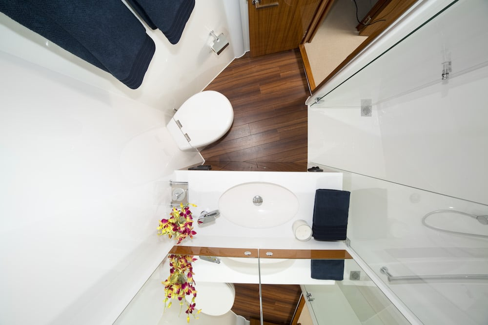 Maritimo M59 bathroom