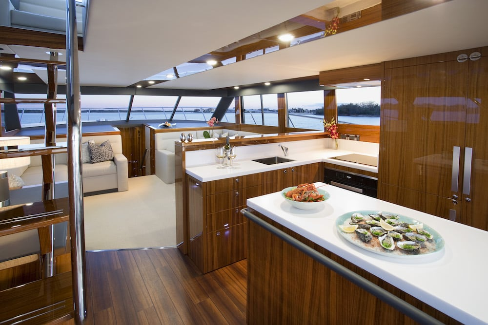 Maritimo_M59_Interior_Galley_79A3354