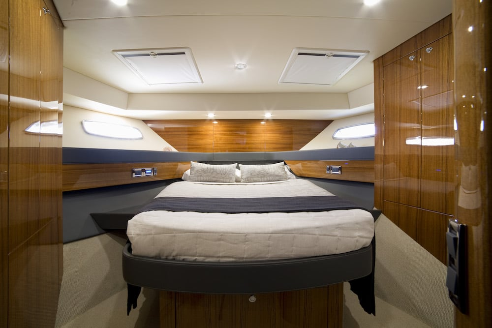 Maritimo M59 guest bed 2