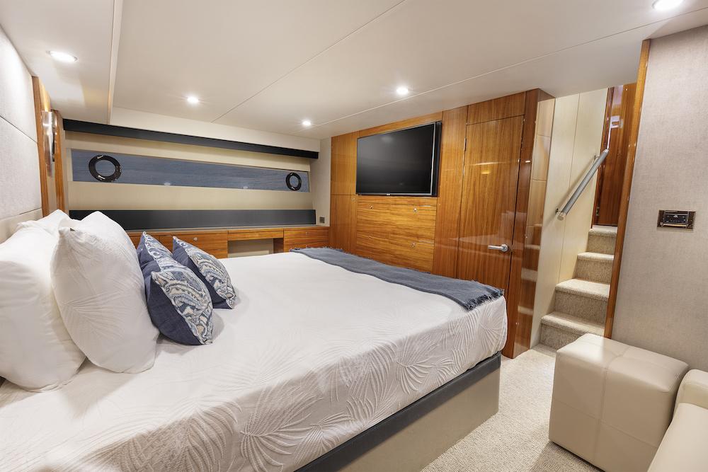 Maritimo M64 master cabin