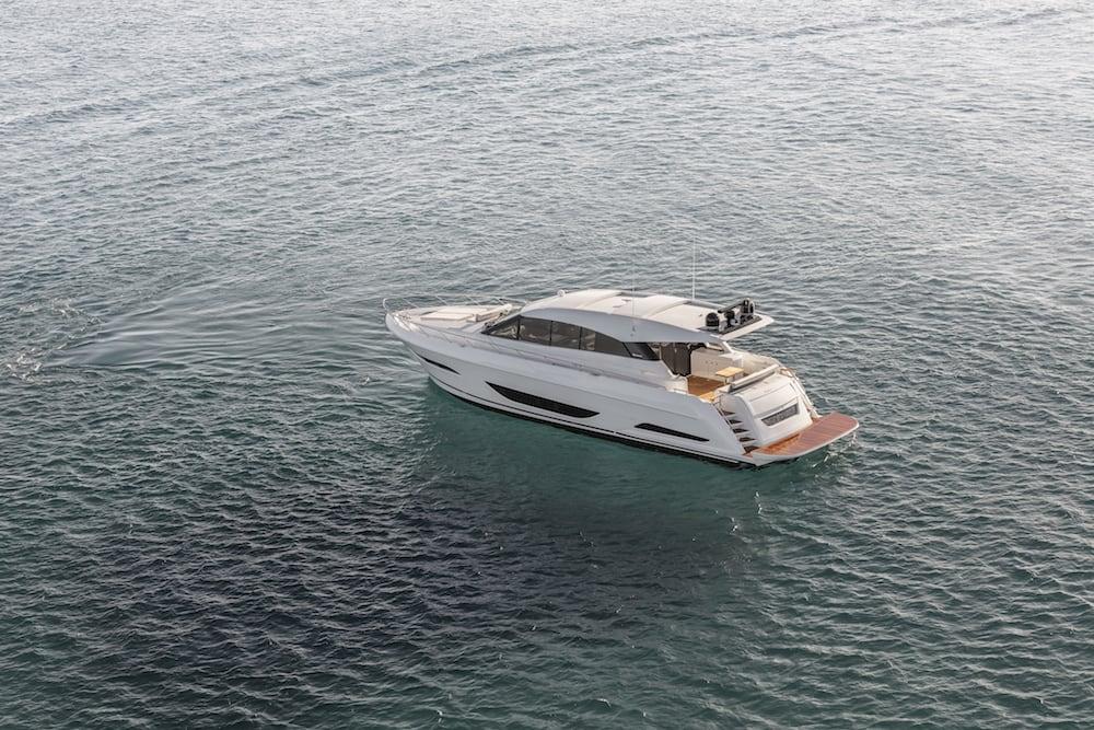 Maritimo X60 anchored