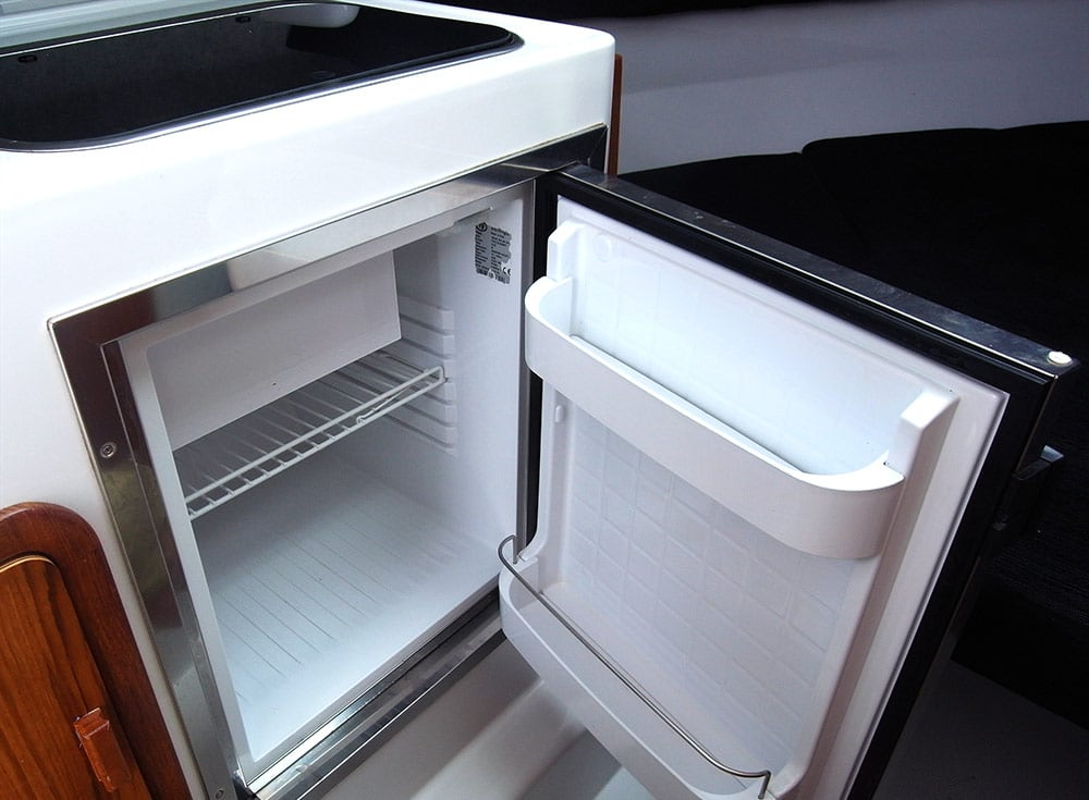 Rayglass 2500 fridge